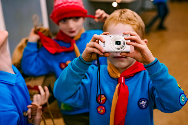 kids enjoying a photography lesson for children